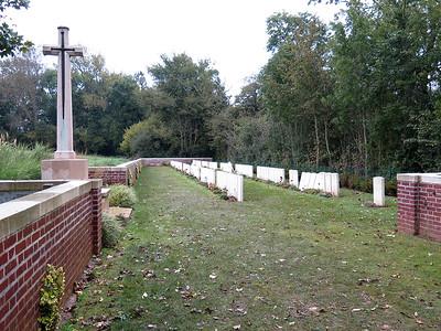 Devonshire Cemetery, Mametz.