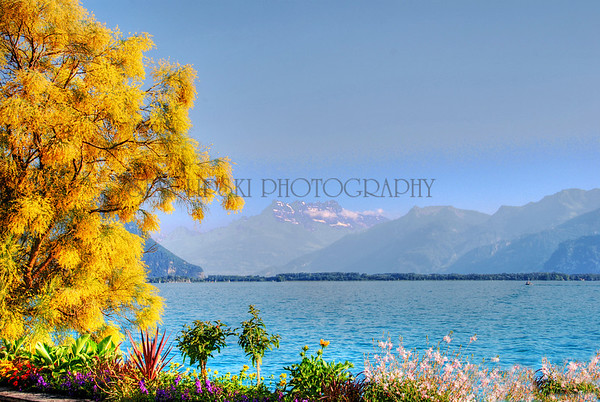 LAC LEMAN (LAKE GENEVA)-MONTREUX, SWITZERLAND