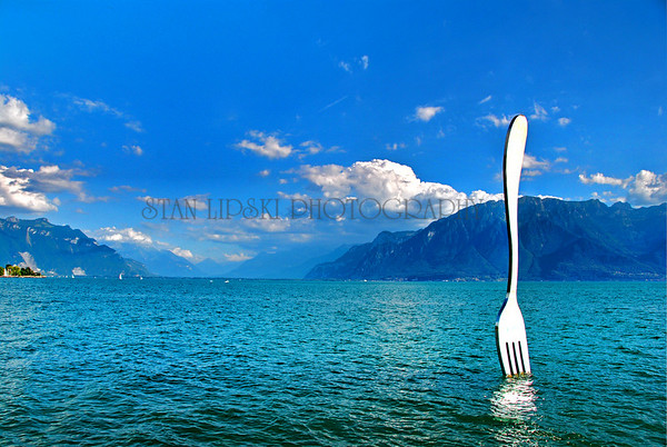 LE MUSEE DE L'ALIMENTATION, SCULPTURE, LAKE GENEVA, VEVEY, SWITZERLAND