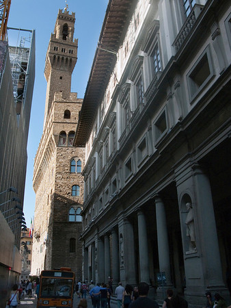 Entrance to the Ufizzi Gallery with the Palazzo Vecchio (town hall) in the background