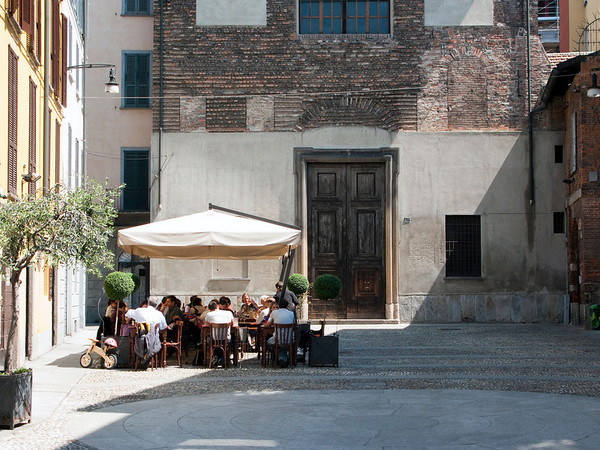 Outdoor dining is preferred all over Italy