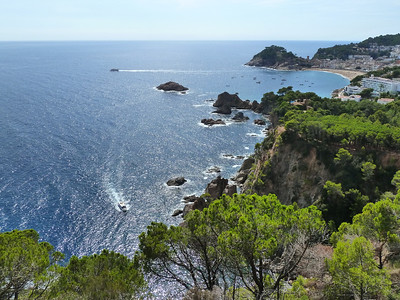 Driving from Barcelona to Cadaques, Spain, along the beautiful Costa Brava!!