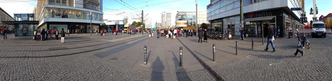 "Again, a look at the ""Alexander Platz""."
