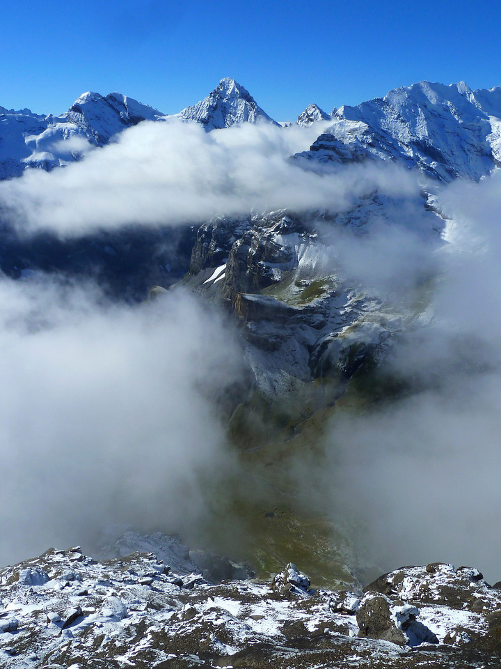 Surrounded by gorgeous peaks and clouds up at the Schilthorn!!