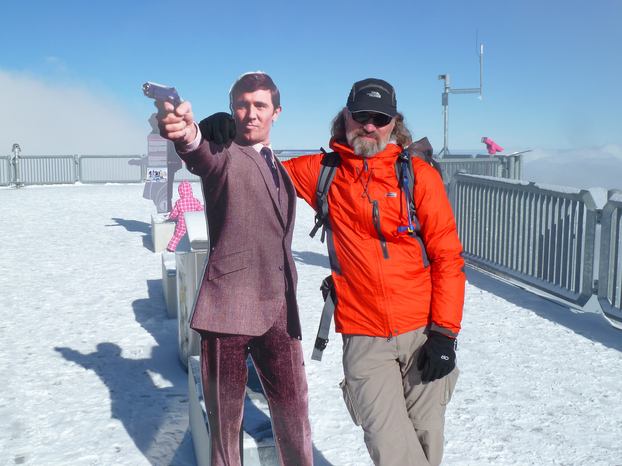 "Rob met up with 007 at 3000 m. This was no surprise, as the Schilthorn and the mountain town of Mürren were the sites for the 1969 movie ""On Her Majesty's Secret Service"" - the Bond Movie with all the crazy ski scenes!! Check it out!!"