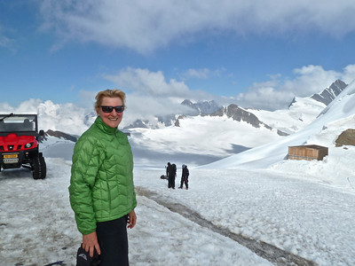 Arriving at the Mönchsjoch Hut with climbers in the background.