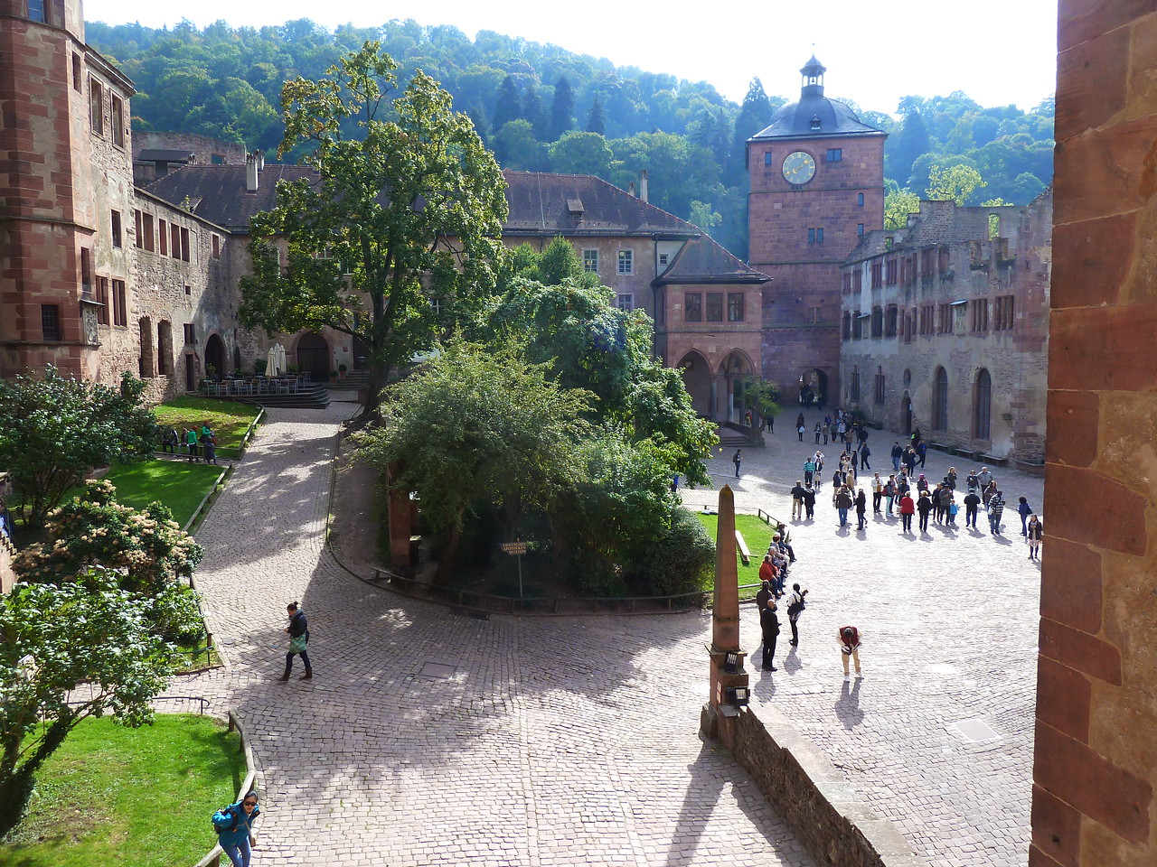 The inner courtyard of the castle!
