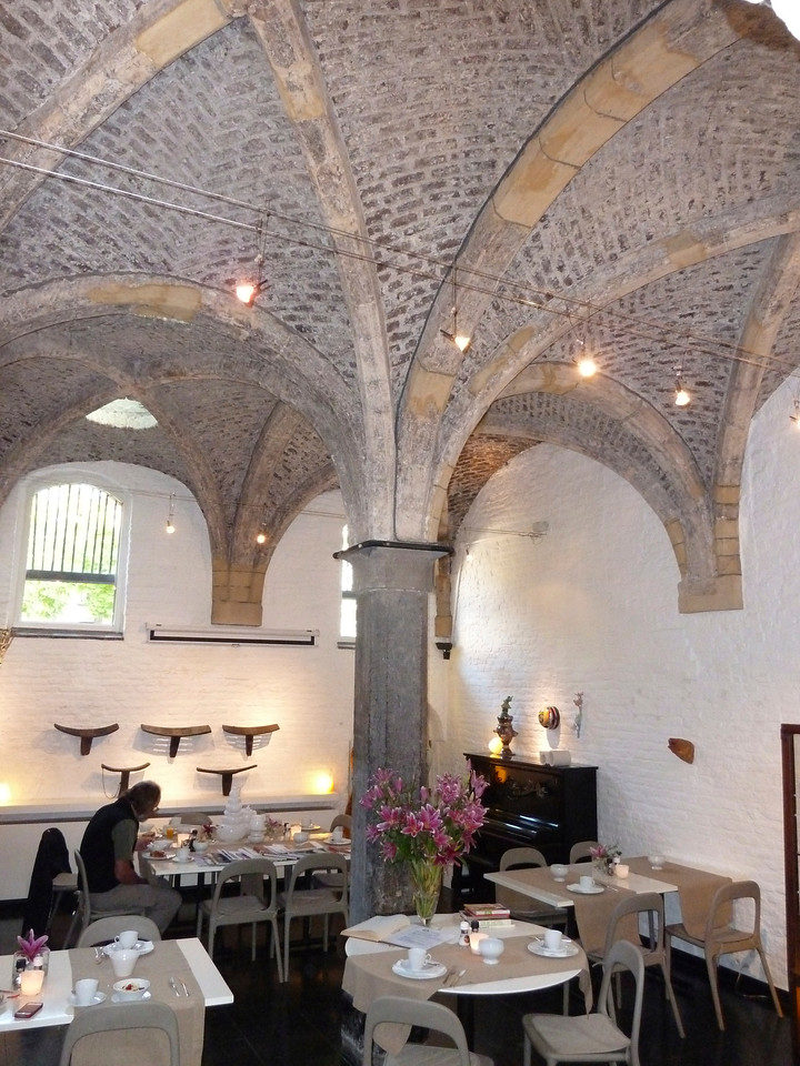 The breakfast room of our B B in Maastricht with it's 13th century vaulted ceiling!!