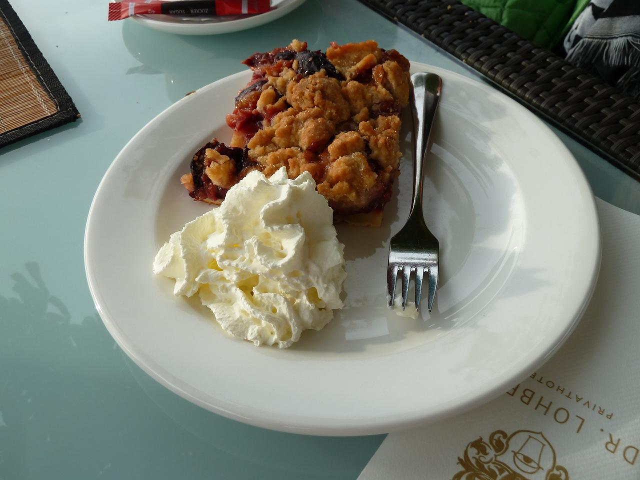 Zwetschgendatschi with cream!!