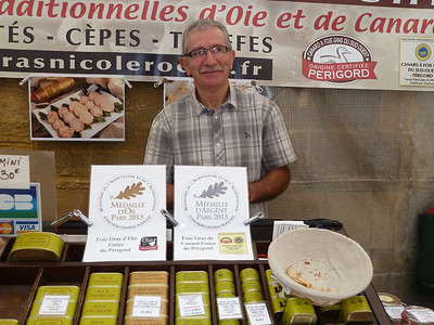 John - take note because we bought you something from this very nice farmer at the Sarlat market!! Note that he won First Prize for his foie gras this year!!!