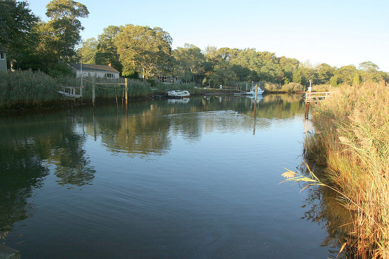 10/8/2006<br /> <br /> Looking North up the creek which eventually brings you into the village of Sag Harbor.