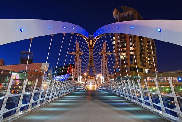 Millennium Footbridge at night