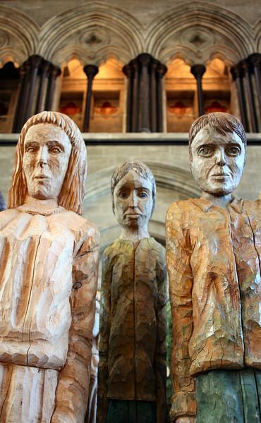 "Sculptures by <a href=""http://www.robertkoenig-sculptor.com"">Robert Koenig</a>, Salisbury Cathedral."