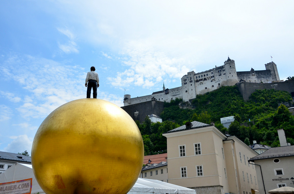 This is one of many odd statues in the city...this huge ball is in the square before you go up to the fortress on the hill.