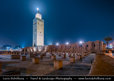 Africa - Morocco - Marrakesh - Marrakech - UNESCO World Heritage Site - Old Town - Medina of Marrakesh - Historical center - Mosquée de la Koutoubia - Koutoubia Mosque - Kutubiyya Mosque - Jami' al-Kutubiyah - Kotoubia Mosque - Kutubiya Mosque - Kutubiyyin Mosque - Mosque of the Booksellers - Largest mosque in Marrakesh
