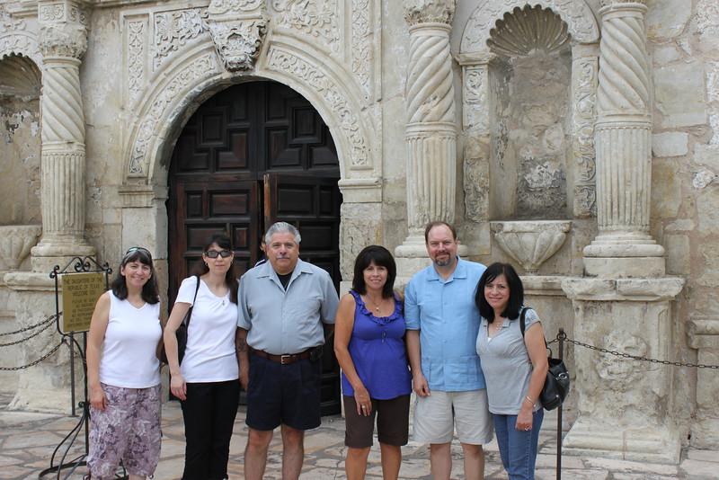 Jen, Demetria, Dennis, Tish, Rob & Jo-Ann at the Alamo
