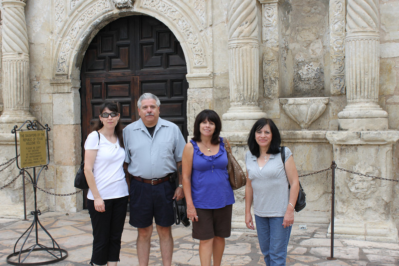 Demetria, Dennis, Tish & Jo-Ann at the Alamo