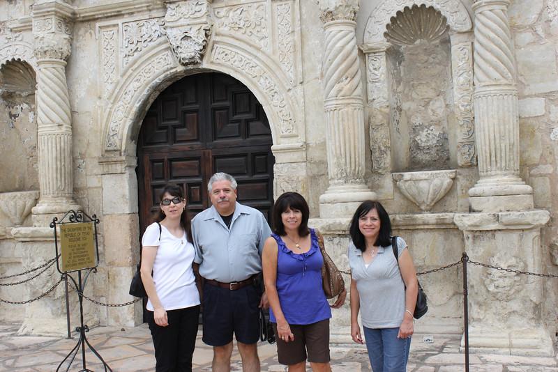 Demetria, Dennis, Tish & Jo-Ann in front of the Alamo