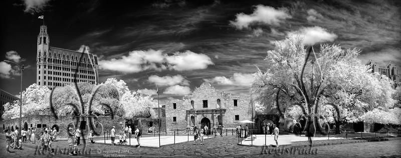 Alamo Plaza, chapel