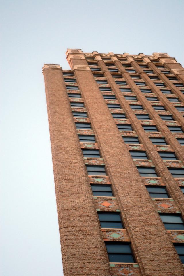 A 2D illusion of a 3D building