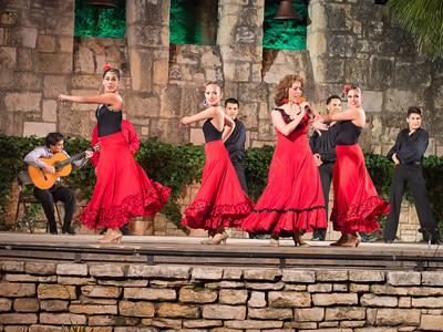 Fiesta Noche del Rio, Arneson River Theater
