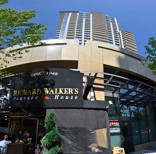 Great Breakfast place in downtown San Diego, Richard Walkers Pancake House.
