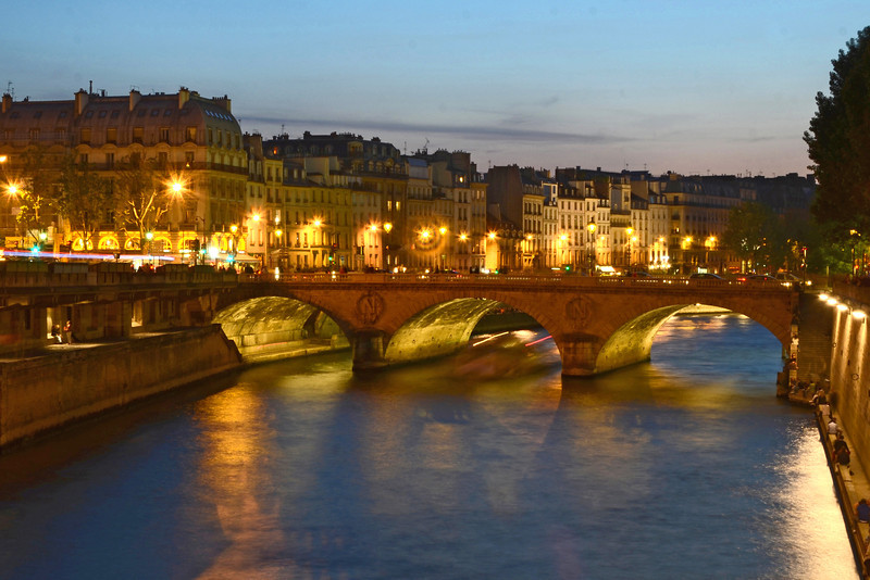 Pont Saint Michel in Paris at night