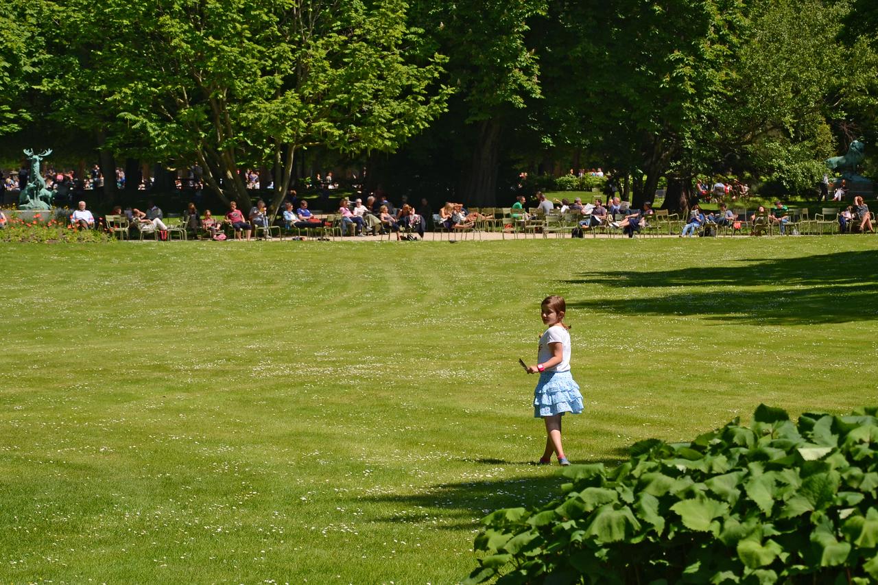 Little girl in Luxembourg gardens