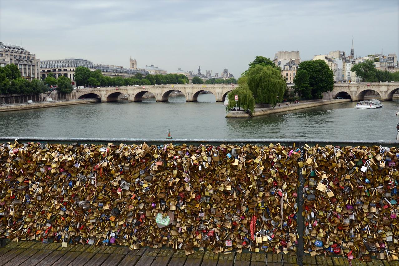 Locks on the Pont des Arts