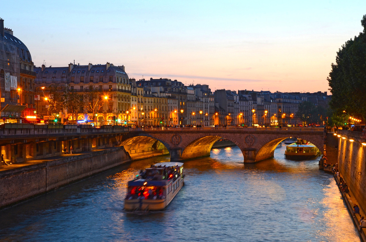 The Seine River and Pont Saint-Michel at sunset