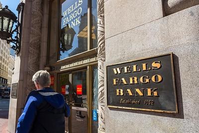San Francisco, CA, USA, Wells Fargo Bank, Sign, Downtown