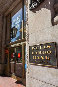San Francisco, CA, USA, Wells Fargo Bank, Sign, Downtown