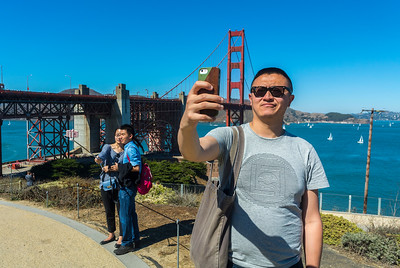 San Francisco, CA, USA, Tourists Visiting, Street Scenes, Golden Gate Bridge