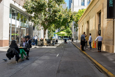 San Francisco, CA, USA, Street Scenes, Downtown, Workers on Lunch Break,  Daytime