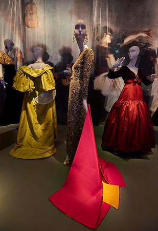 San Francisco   May 24, 2016 - Tuesday - De Young Museum / Oscar de la Renta special exhibit   Credit- Robert Altman