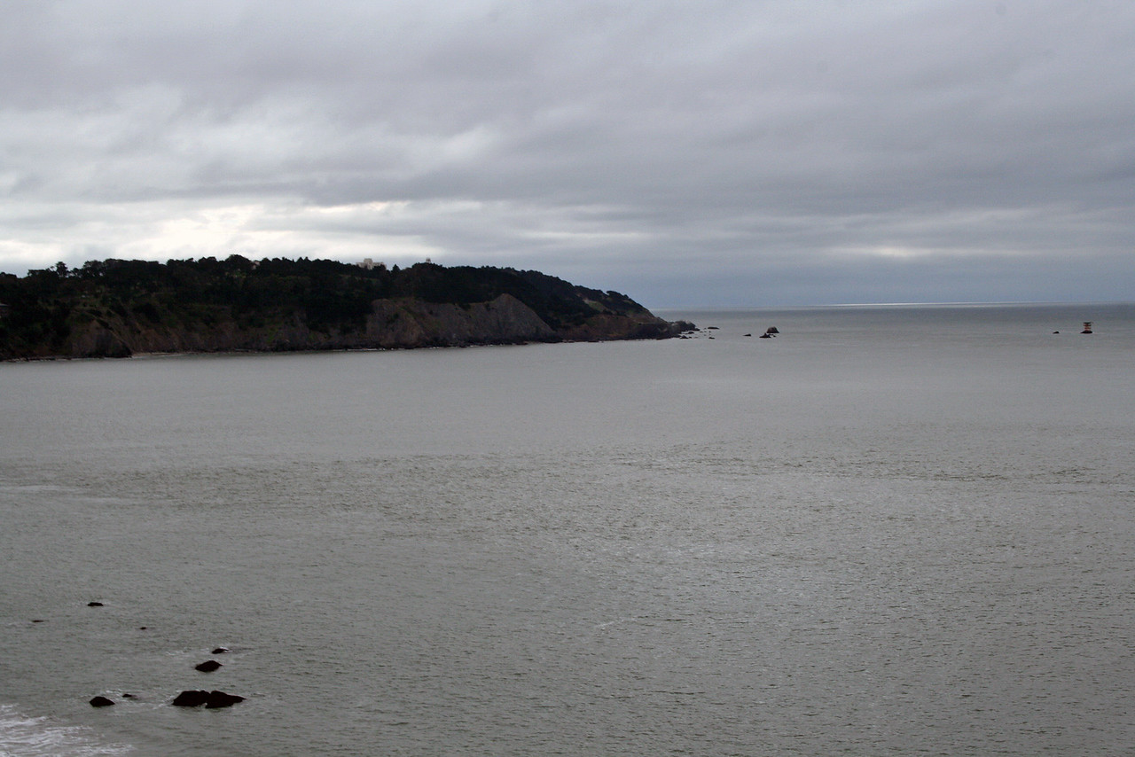 Feb. 18/08 - Pacific Ocean, from the Golden Gate Bridge, San Francisco