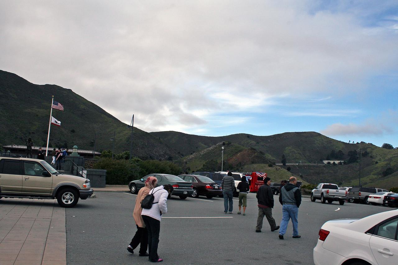 Feb. 18/08 - On the Marin side (Vista Point North) of the Golden Gate Bridge, San Francisco