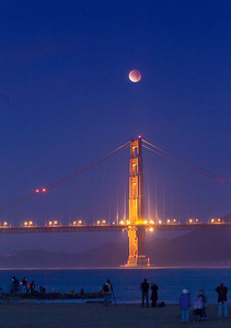 Golden Gate North Tower total lunar eclipse