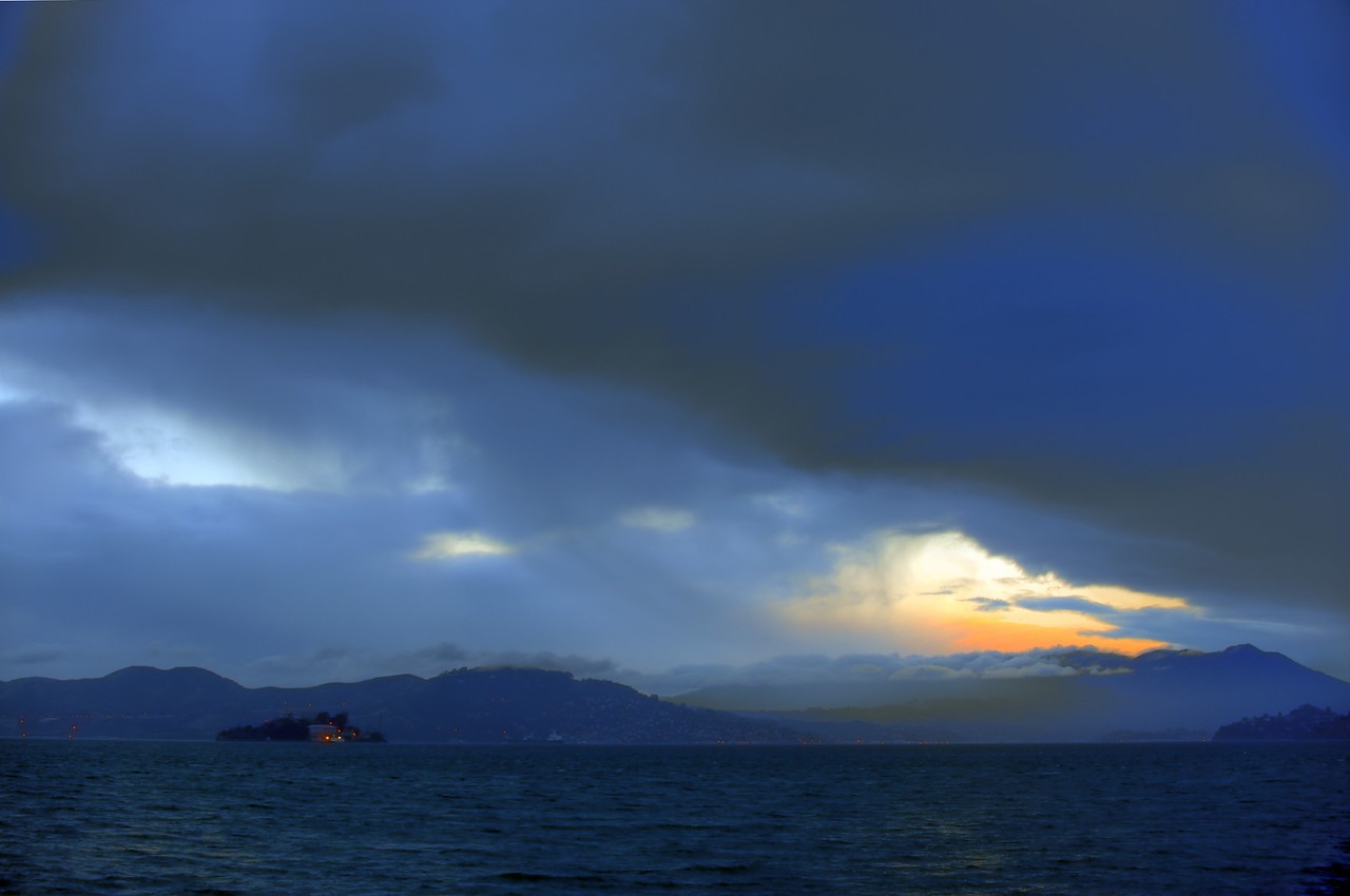 Alcatraz fog sunset