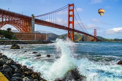 Flight of Fantasy: Everybody's dreamride... a hot air balloon floats over the Golden Gate Bridge.