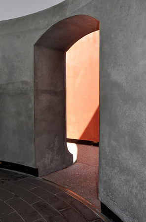 """Entering """"Skyscape"""" (James Turrell at the deYoung Museum)"""