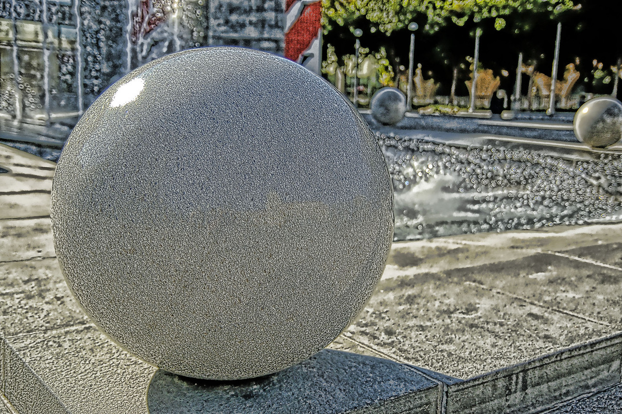 A bit of experimental work on the Fountain Ball