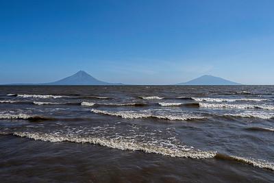 """""""El Ometepe"""" and """"Maderas"""" volcanos"""