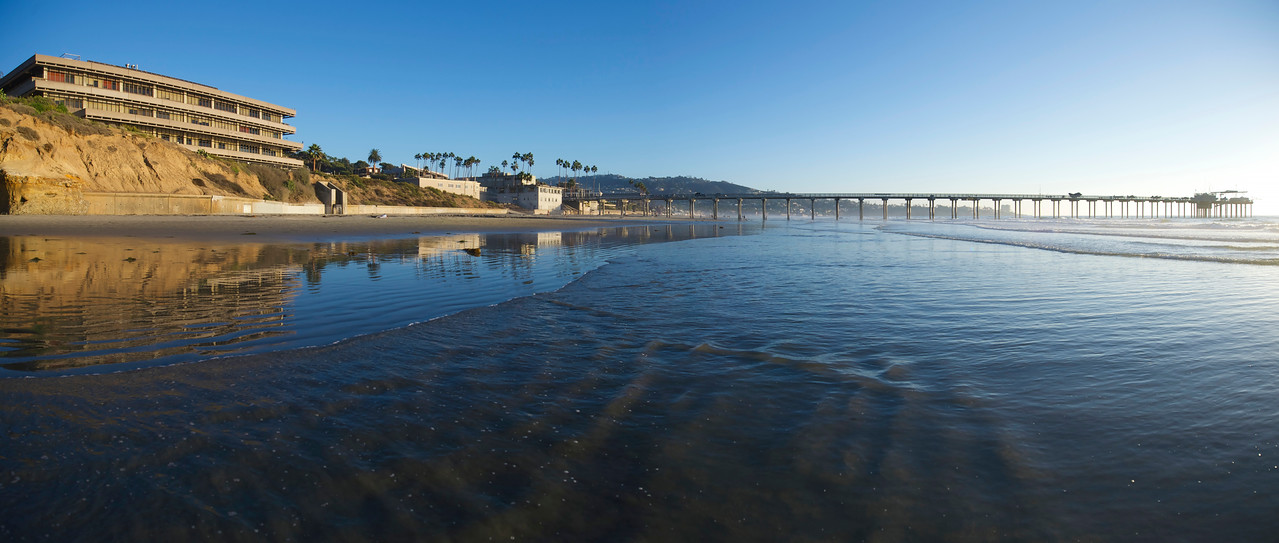 Scripps Pier facing South