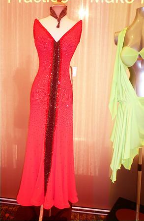 red dress 2600