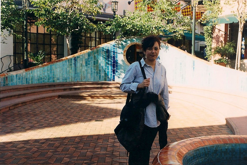 1/13/01 Paseo Nuevo, Santa Barbara, CA