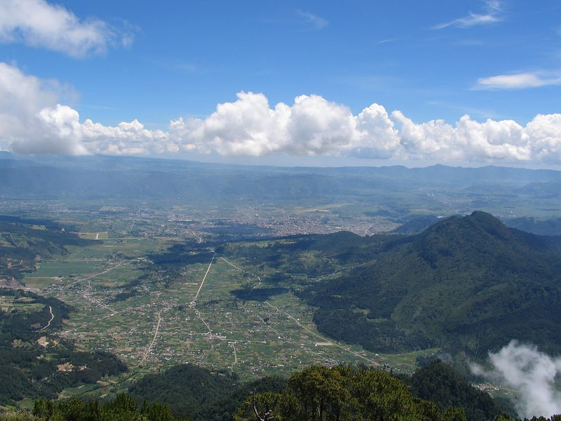 We were very lucky to have a very clear day on the volcano.  This is a veiw of Xela.