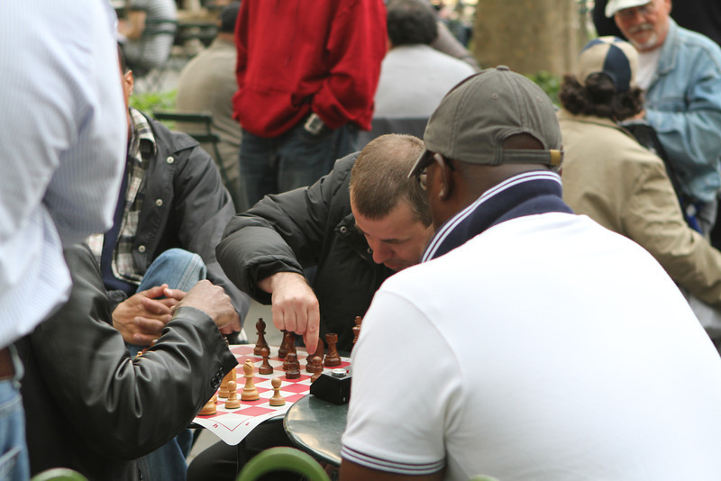 High Speed Chess - focus and make your move-hit the timer - next move.