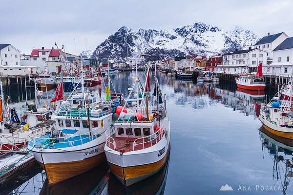 Henningsvaer fishing village at dusk
