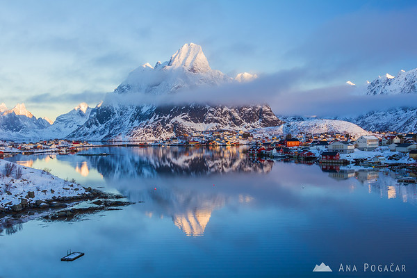 Reine at sunrise